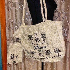 Handbags - 🌟 NWOT St. Thomas zippered beach tote and pouch